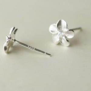Flowers pretty 925 Sterling silver ..